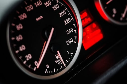 If You Can't Drive 55, You Need These Speedometer Apps