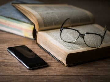 Turn the Page to a New World with Great Apps for Book Lovers
