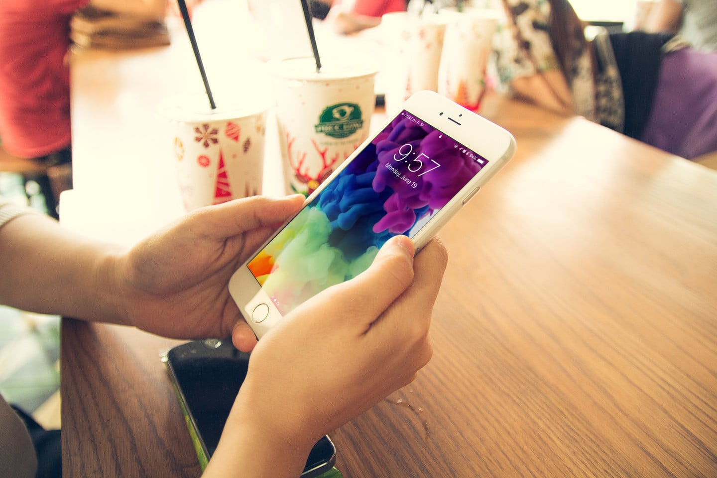Add to the Decor of Your iPhone With Themex Live Wallpapers