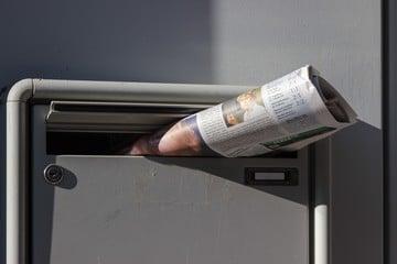 Swiipe: Tinder Meets the Daily News Headlines