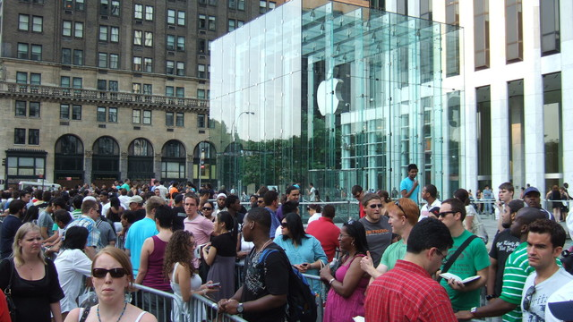 Here's a List of Everything That's Annoying About Apple