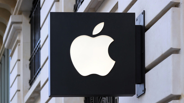 Even After Disappointing Earnings, Wall Street Analysts Remain Positive About Apple