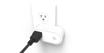 Incipio unveils a new HomeKit-enabled smart outlet and light bulb adapter