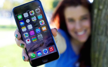 Apple is violating its own rules for the removal of native iOS apps