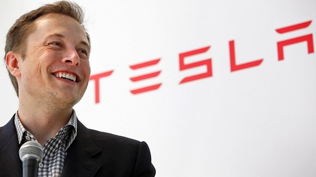 Elon Musk Talks Apple Car, Says Cupertino Could Be 'Too Late'