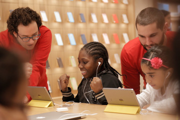 Registration is Now Open For Apple's Free Hour of Code Workshops December 5-11