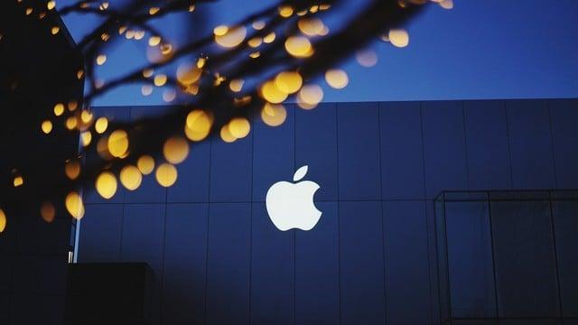 Apple Stock Reaches Record Territory as Goldman Sachs Raises Target Price
