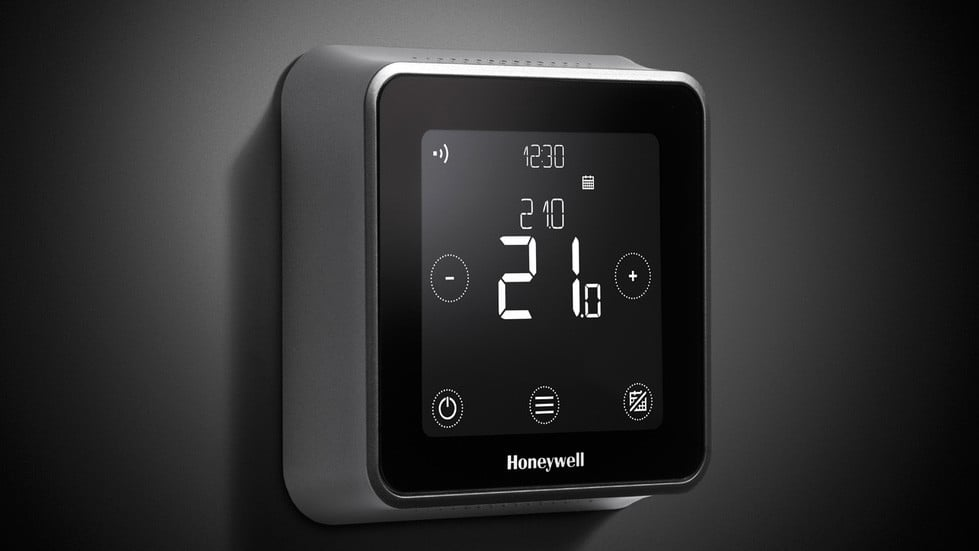 This HomeKit Compatible Honeywell Lyric Smart Thermostat is Cheaper Than Ever