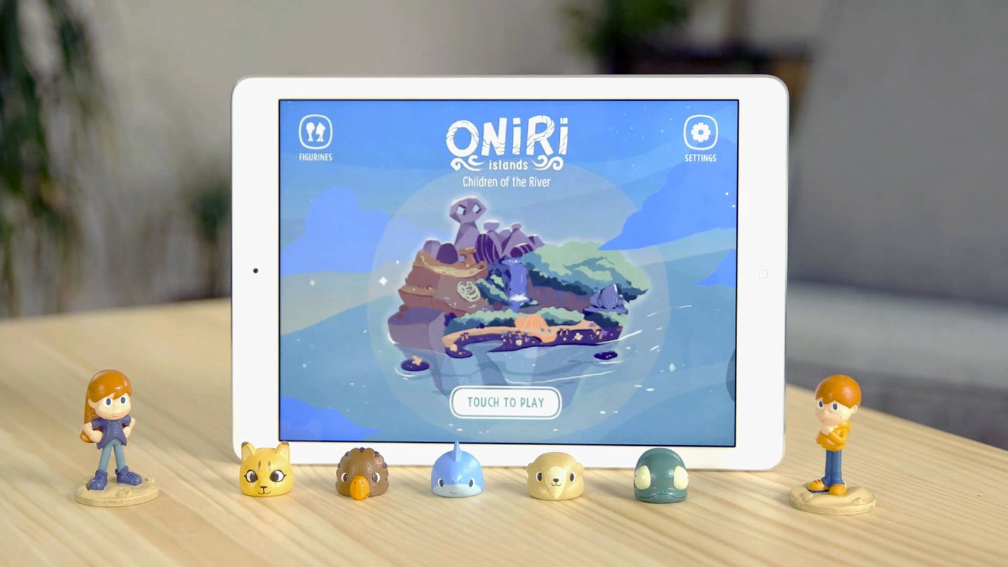 Connected toys and Oniri Islands