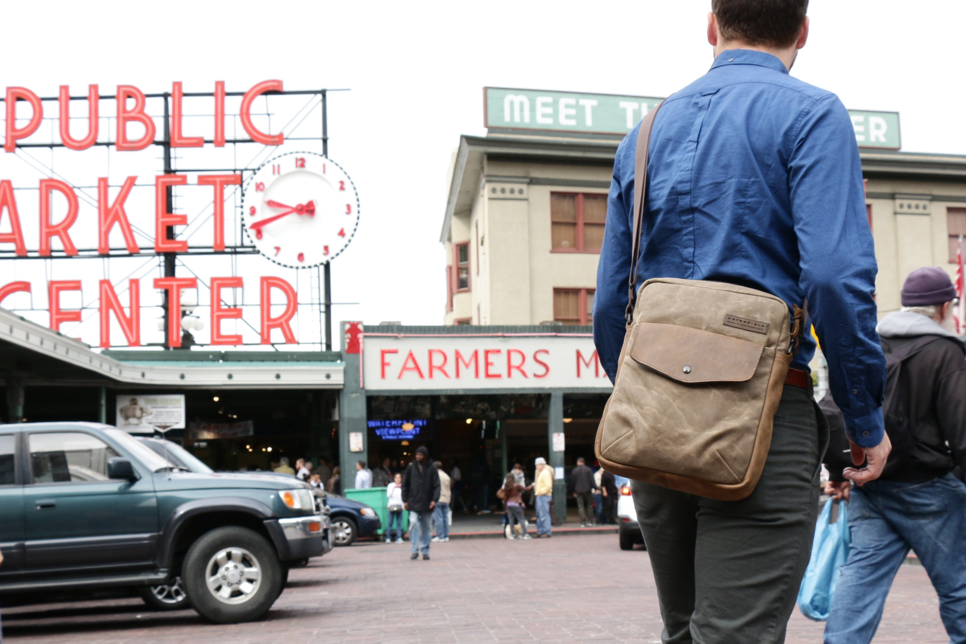 Waterfield Designs' Bolt Crossbody is a Rugged Yet Classy Laptop Bag